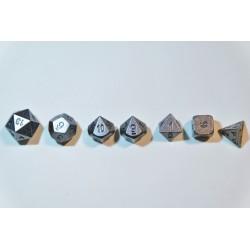 7 Dés en métal serie 10